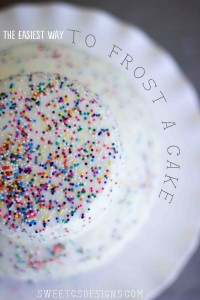 the easiest way to frost a cake get a faux fondant look in seconds (and its delicious) #cake #party #fondant