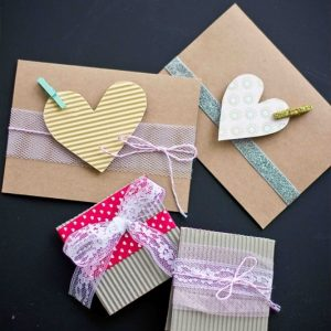 5 Minute Cardboard, Lace and Clothespin Valentines