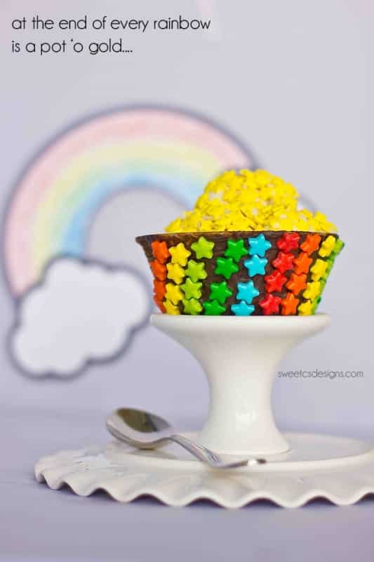 Pot 'o Gold rainbow ice cream sundaes- great for St Patricks Day or birthday parties!