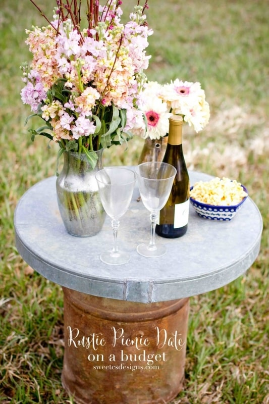 Set a gorgeous but effortless romantic picnic date on a budget with these great tips!