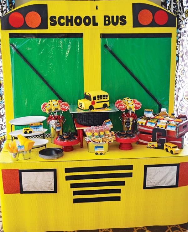 school-bus-birthday-dessert-table