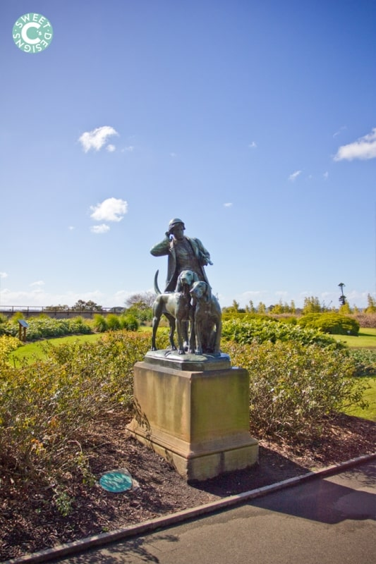 statue in royal botanic gardens,  sydney