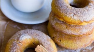 Pumpkin Spice Baked Doughnuts