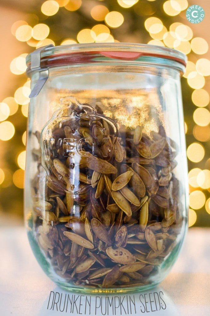drunken pumpkin seeds- these are so easy and delicious for a great christmas gift!