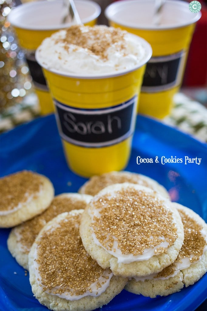 Cocoa and Cookies party- easy ideas for a fun family holiday party!
