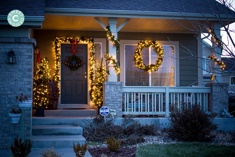 Christmas home tour outdoor entryway for Easy front porch christmas decorations