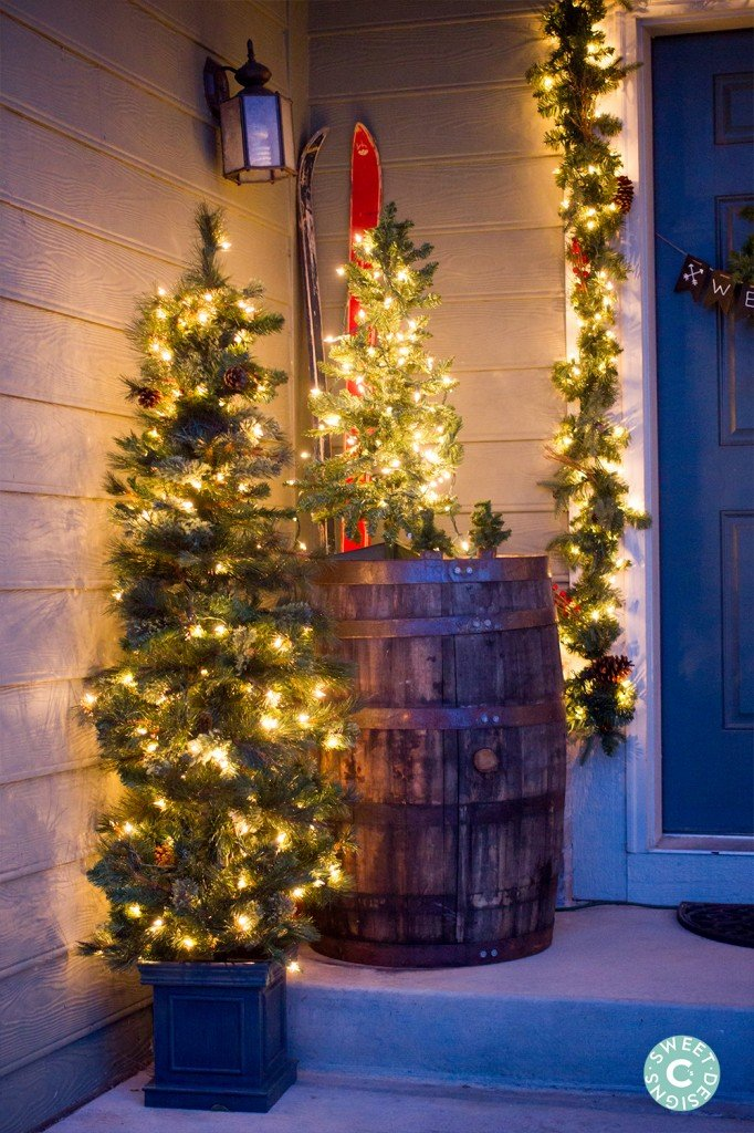 Christmas home tour outdoor entryway sweet c 39 s designs for Decorating outdoor entryways