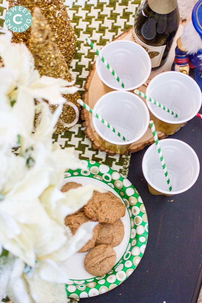 Love these ideas for a holiday cookie and cider party!