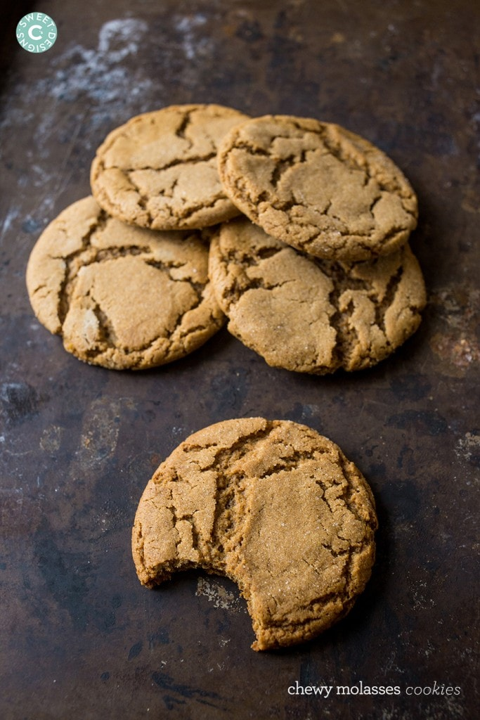 Chewy molasses cookies- this is the best soft molasses cookie recipe!