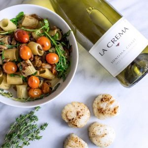 Arugula and Mushroom pasta with pan fried scallops- such a romantic dinner date idea!