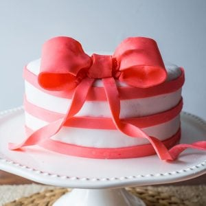 Simple Bow & Flower Cake with Craftsy and Jo-Ann Fabric and Craft Stores!