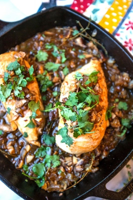Delicious and easy caramelized onion and thyme Chicken- so delicious and so good!