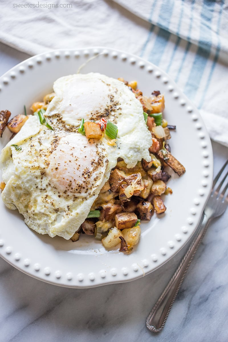 Skillet hash browns and eggs- this is so delicious and easy for a rich morning meal!