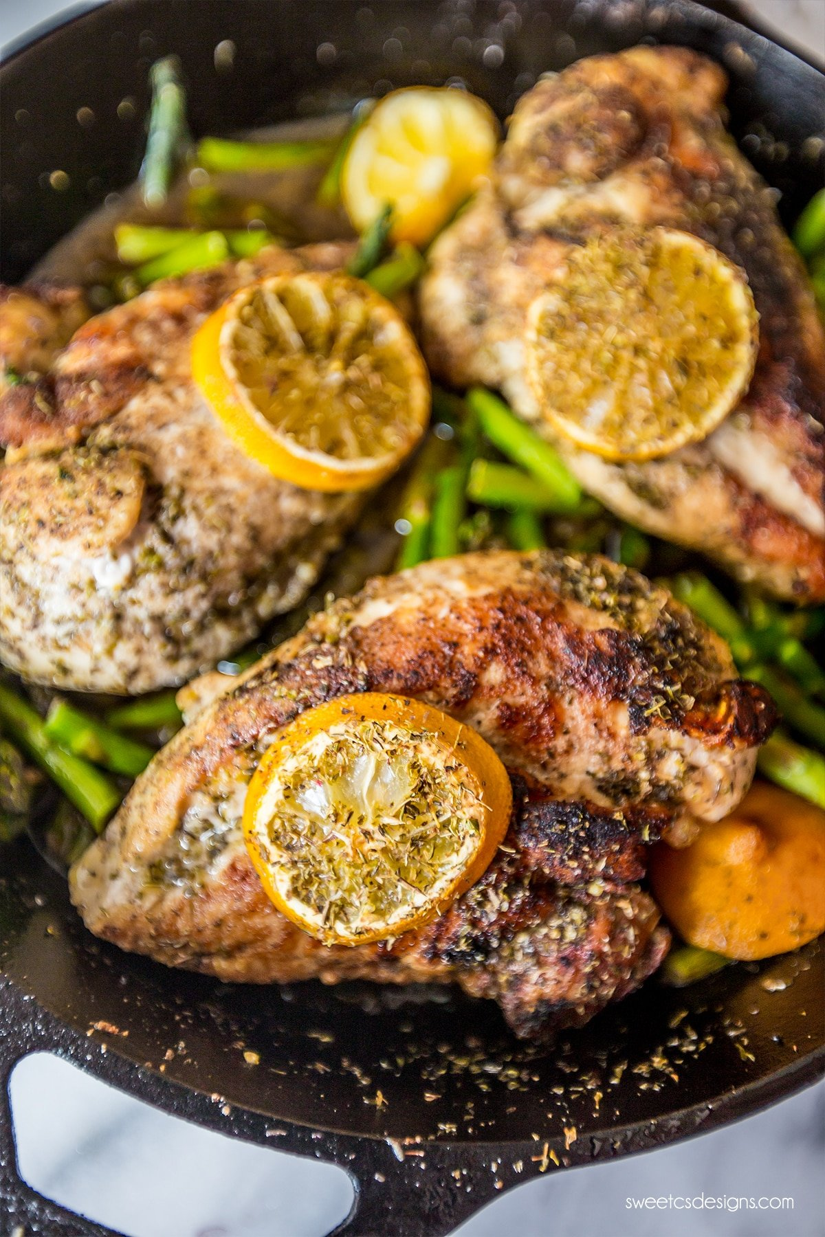 One pan chicken and asparagus- so easy and delicious!