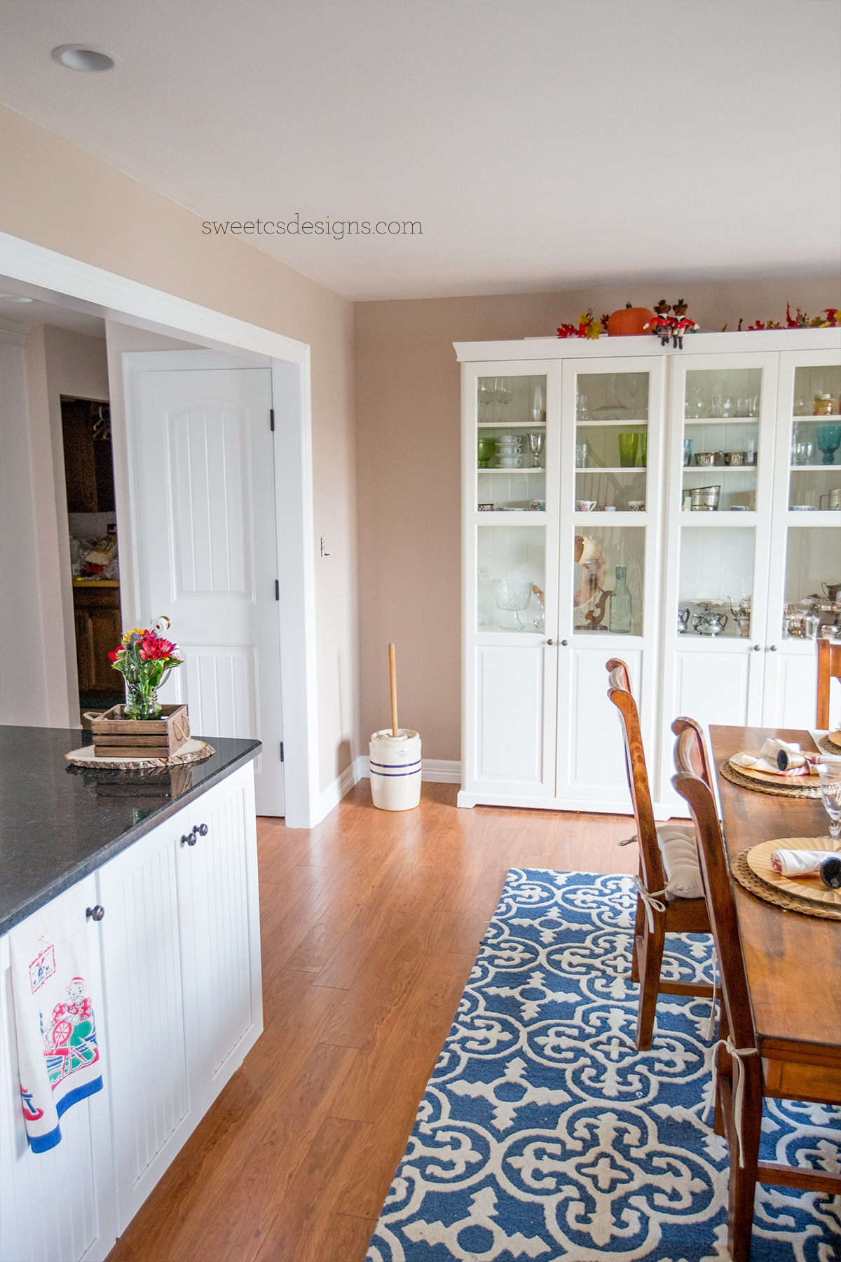 Love this renovated farmhous dining room!