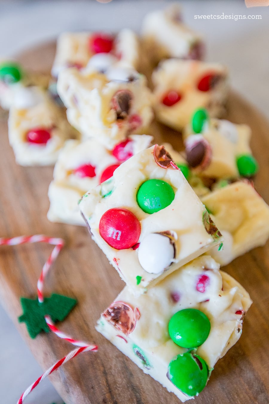 Cookie dough fudge with christmas candy- this is such a fun gift idea!