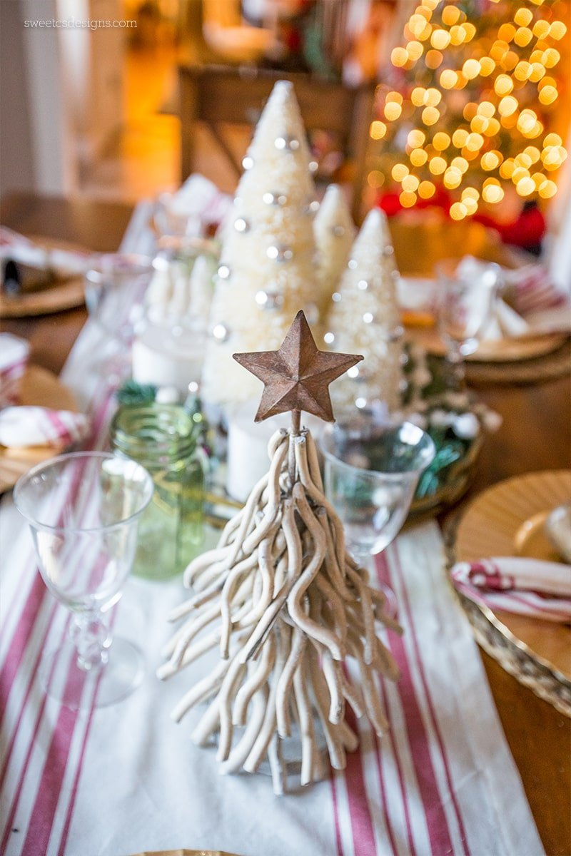 Love these adorably rustic table acents for Christmas!