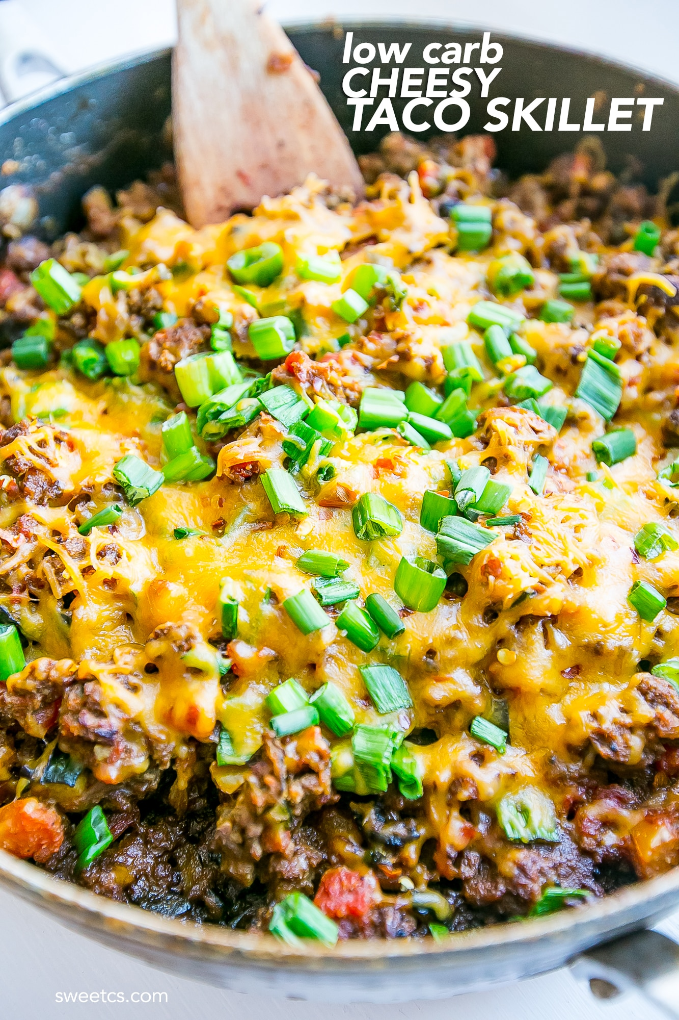 low carb cheesy taco skillet- under 350 calories and 13 carbs per serving!