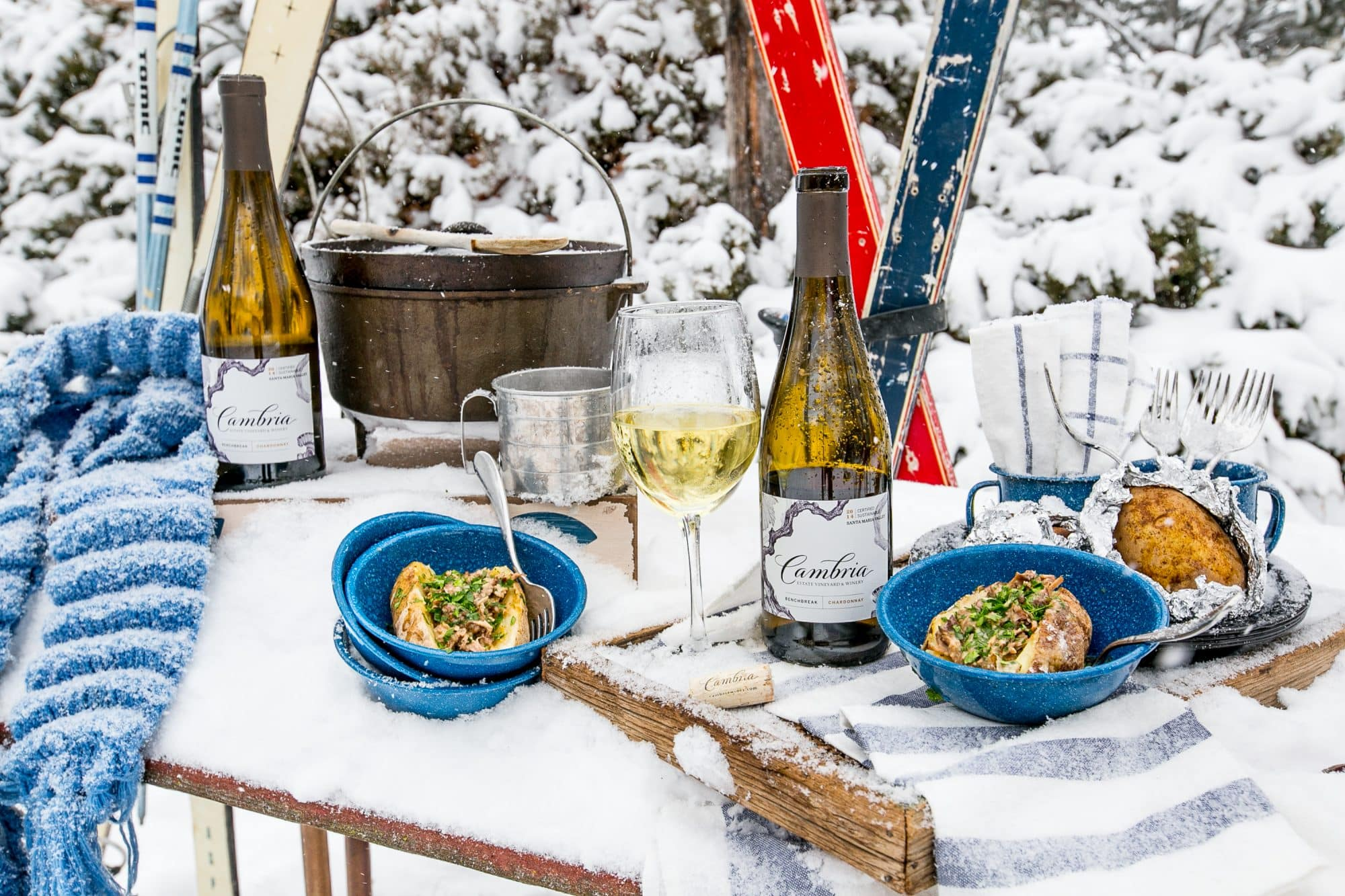 I love this gorgeous apres ski dinner!