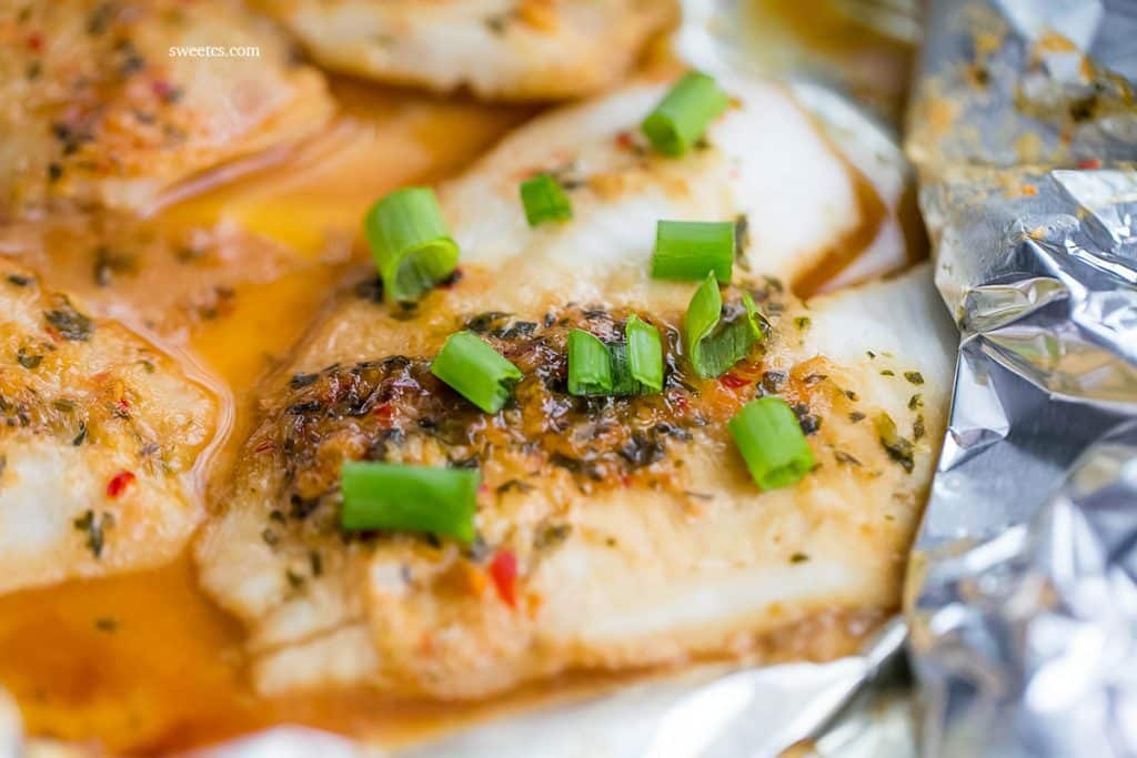 Spicy Garlic Soy Baked Flounder in a Foil Pouch - so simple, easy and delicious!