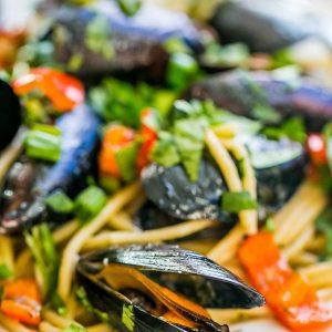 15 Minute Drunken Mussels Pasta