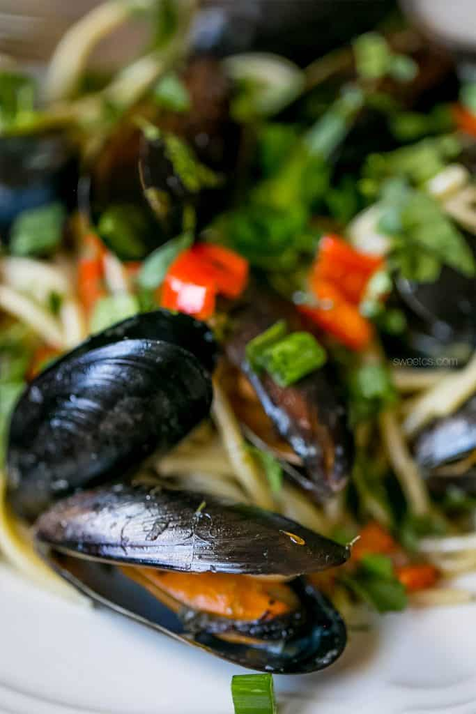 This drunken mussel pasta is so simple and delicious! You can even use frozen mussels if you can't get them fresh and it's still packed with flavor!