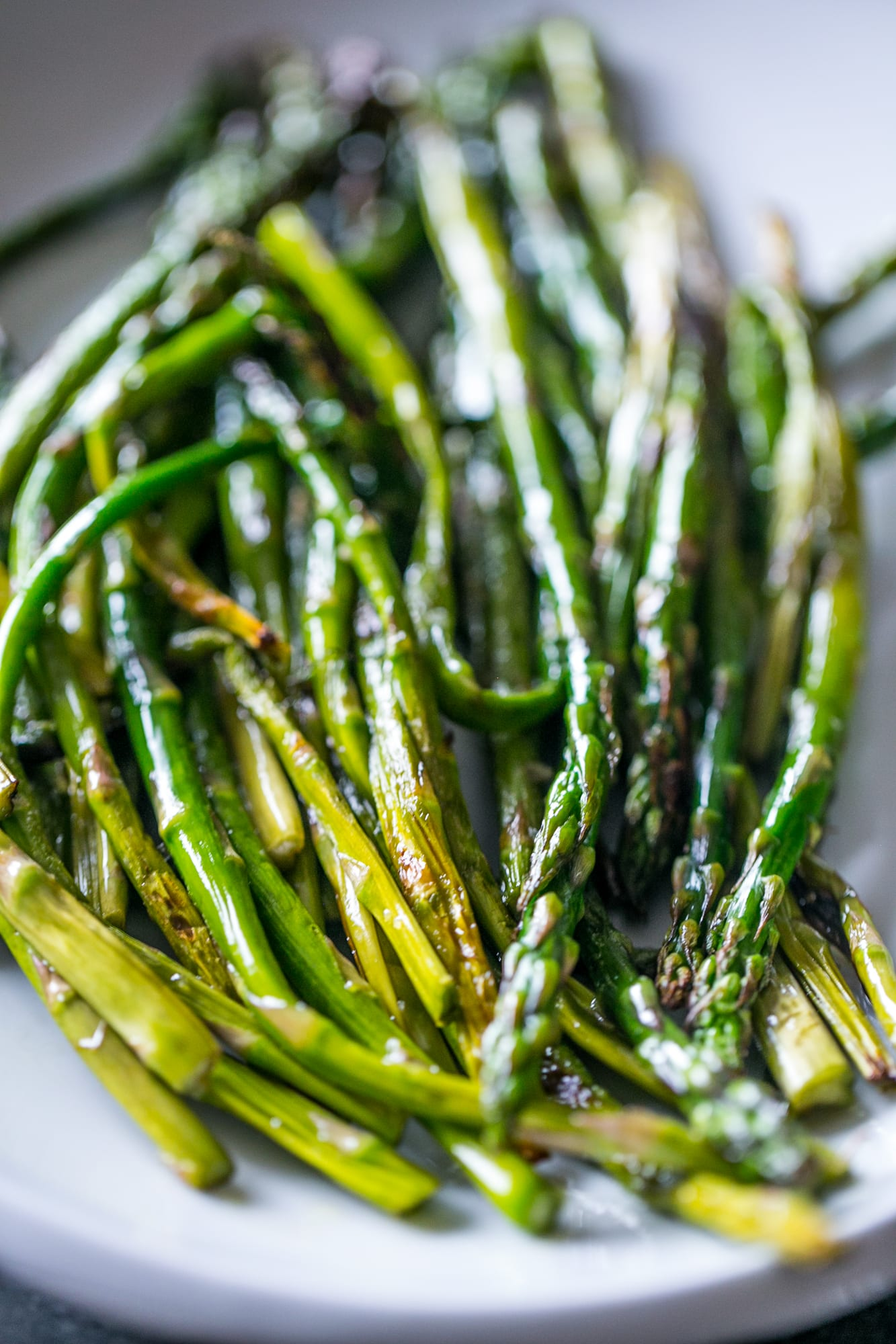 The best recipe for pan fried asparagus - simple, easy, and just 4 ingredients!