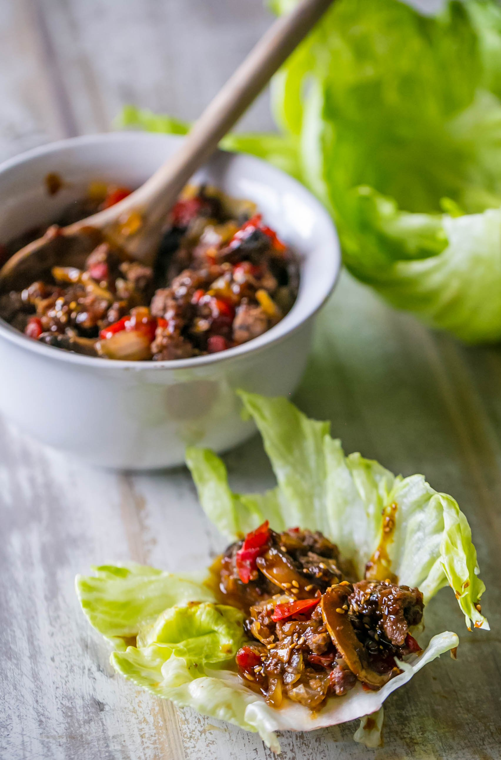 Love these sweet chili beef lettuce wraps from the slow cooker!