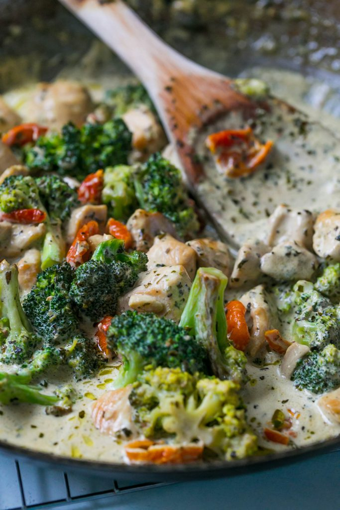 this creamy chicken and broccoli alfredo is my favorite!