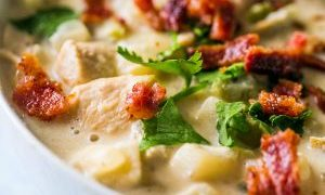 One Pot Creamy Chicken and Potato Chowder with Bacon