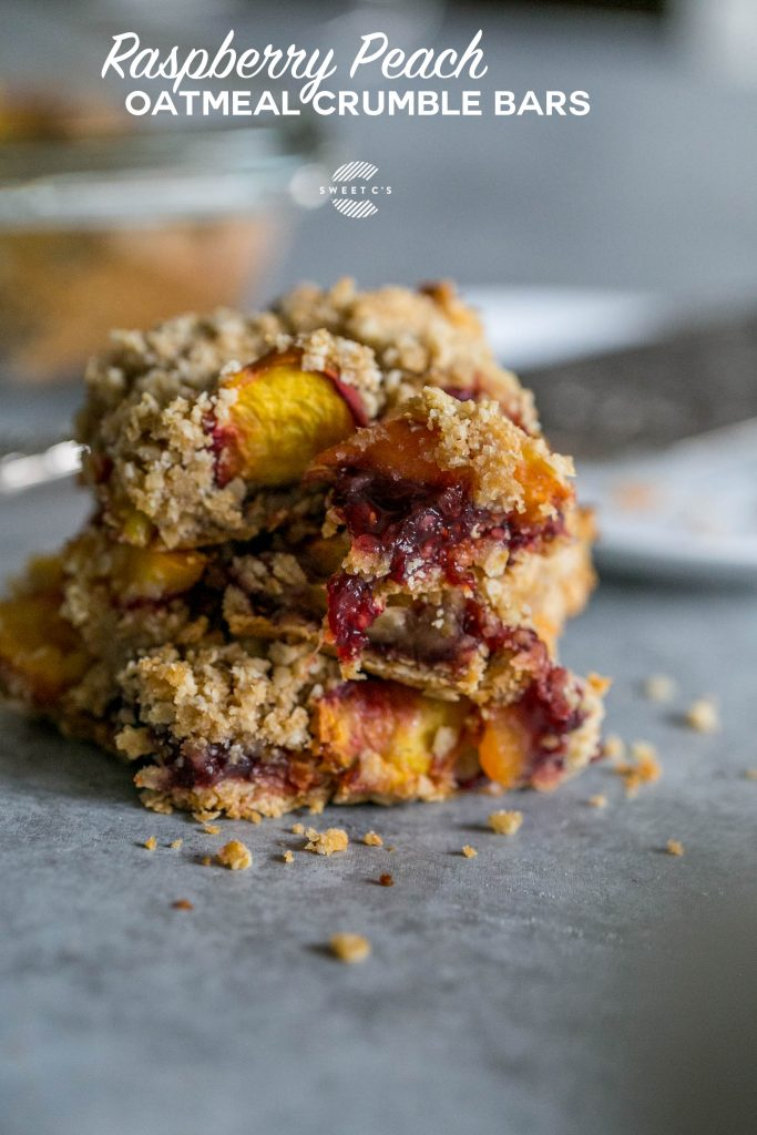 Raspberry Peach Oatmeal Crumble Bars - these are so easy and delicious!