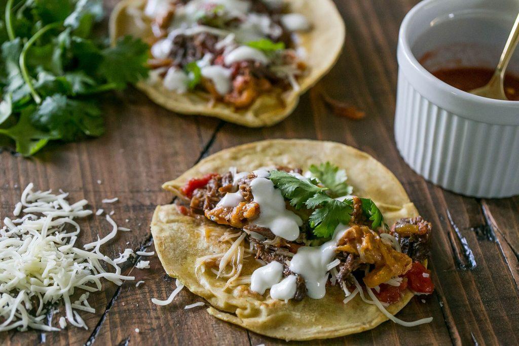Short rib beef slow cooker tacos