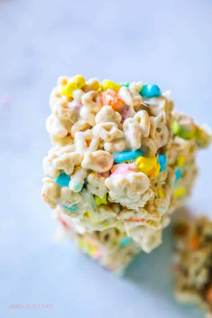 saint patricks day desserts, lucky charms treats, homemade lucky charms treats, lucky charms recipe, no bake dessert, saint patricks day,
