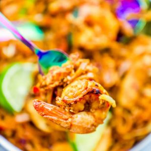 Easy Chicken and Shrimp Pad Thai Noodles Recipe