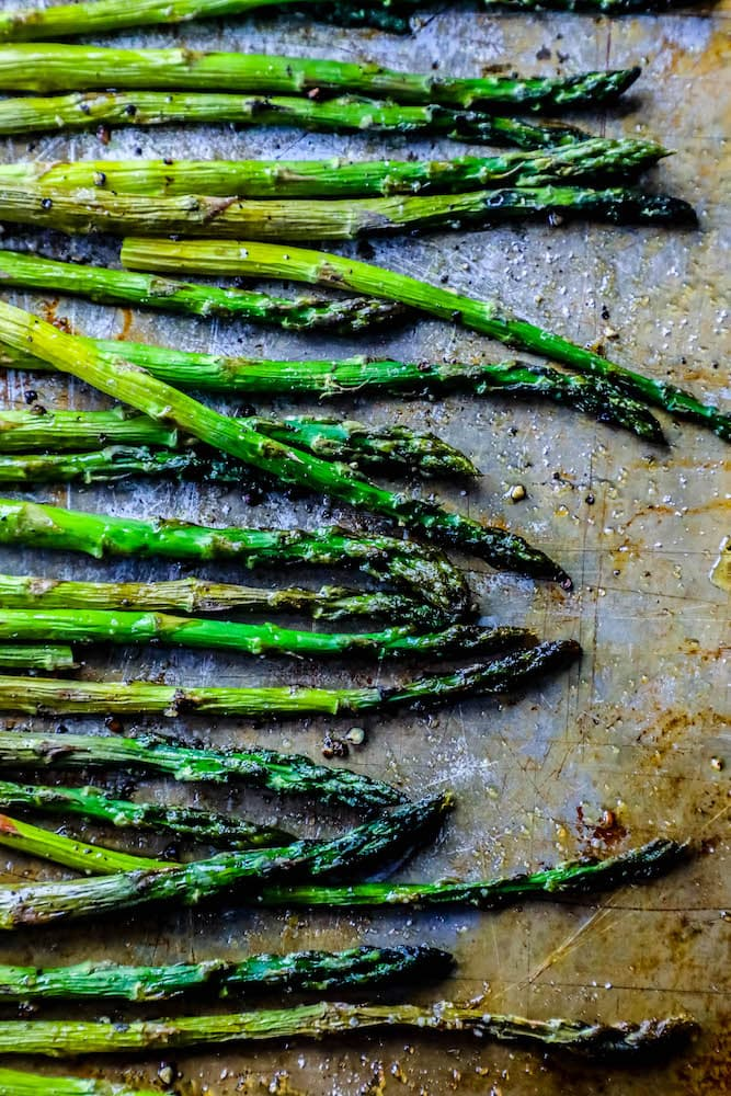 picture of roasted asparagus on baking sheet