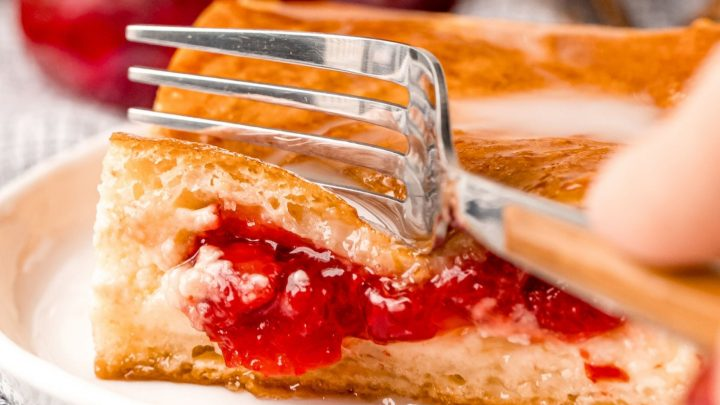 Cherry Danish Cheesecake Bars Recipe
