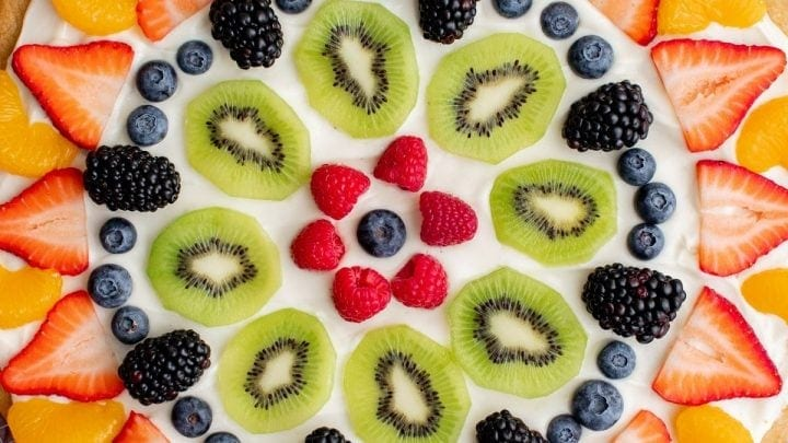 The Best Easy Fruit Pizza Recipe
