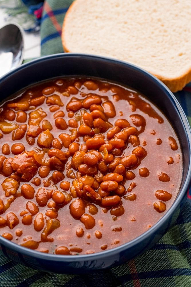 picture of baked beans in a bowl